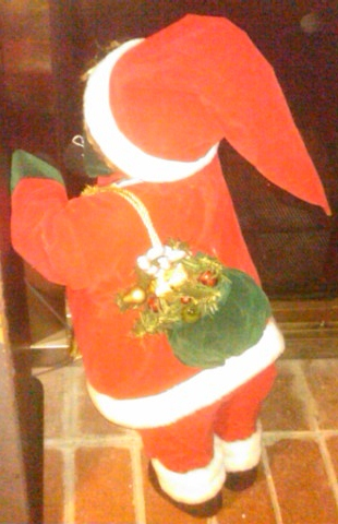 Santa peekaboo